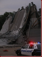 Minneapolis Minnesota 35W Bridge Collapse 3